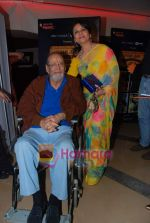Shammi Kapoor, Sharmilla Tagore at One Evening in PARIS screening for Radio Mirchi_s Purani Jeans in PVR on 21st Aug 2010 (17).JPG