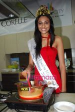 Miss India Neha Hinge at World Kitchen in Malad on 6th Sept 2010 (11).JPG
