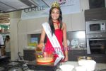 Miss India Neha Hinge at World Kitchen in Malad on 6th Sept 2010 (12).JPG