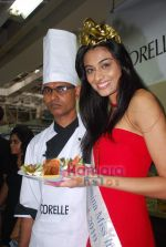 Miss India Neha Hinge at World Kitchen in Malad on 6th Sept 2010 (14).JPG