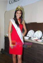 Miss India Neha Hinge at World Kitchen in Malad on 6th Sept 2010 (21).JPG