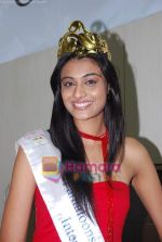 Miss India Neha Hinge at World Kitchen in Malad on 6th Sept 2010 (22).JPG