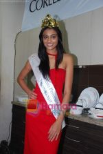 Miss India Neha Hinge at World Kitchen in Malad on 6th Sept 2010 (24).JPG