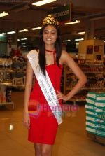 Miss India Neha Hinge at World Kitchen in Malad on 6th Sept 2010 (27).JPG