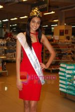 Miss India Neha Hinge at World Kitchen in Malad on 6th Sept 2010 (29).JPG