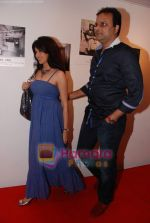 Bhagyashree at Anupam Kher_s art exhibition in Bandra on 7th Sept 2010 (82).JPG
