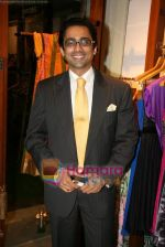 Anuj Saxena at Fuel_s festive collection hosted by Manish Goel in Bandra on 14th Sept 2010 (29).JPG