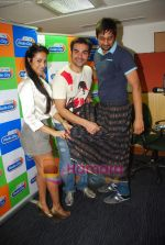 Arbaaz Khan, Malaika Arora Khan at Radio City in Bandra on 15th Sept 2010 (14).JPG