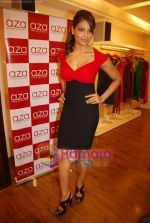 Bipasha Basu at Rocky S Aza collection launch  in Aza, Kemps Corner, Mumbai on 14th Sept 2010 (15).JPG