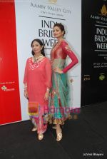 Shonal Rawat at Amby Valley Bridal week with top designers in Sahara Star on 14th Sept 2010 (18).JPG