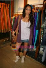 Shweta Salve at Fuel_s festive collection hosted by Manish Goel in Bandra on 14th Sept 2010 (3).JPG