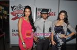 Neha Dhupia, Nikhil Chinappa, Jacqueline Fernandez at Smirnoff Nightlife event  in Phoenix Mill on 15th Sept 2010 (5).JPG
