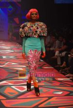 Model walks the ramp for Manish Arora Show at Lakme Winter fashion week day 1 on 17th Sept 2010 (16).JPG