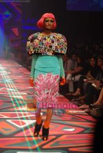Model walks the ramp for Manish Arora Show at Lakme Winter fashion week day 1 on 17th Sept 2010 (17).JPG