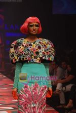 Model walks the ramp for Manish Arora Show at Lakme Winter fashion week day 1 on 17th Sept 2010 (18).JPG