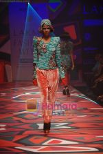 Model walks the ramp for Manish Arora Show at Lakme Winter fashion week day 1 on 17th Sept 2010 (22).JPG