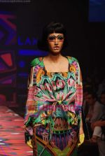 Model walks the ramp for Manish Arora Show at Lakme Winter fashion week day 1 on 17th Sept 2010 (41).JPG