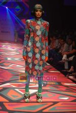 Model walks the ramp for Manish Arora Show at Lakme Winter fashion week day 1 on 17th Sept 2010 (43).JPG