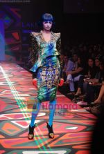 Model walks the ramp for Manish Arora Show at Lakme Winter fashion week day 1 on 17th Sept 2010 (45).JPG