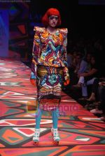 Model walks the ramp for Manish Arora Show at Lakme Winter fashion week day 1 on 17th Sept 2010 (49).JPG