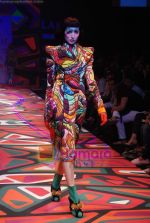 Model walks the ramp for Manish Arora Show at Lakme Winter fashion week day 1 on 17th Sept 2010 (50).JPG