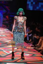 Model walks the ramp for Manish Arora Show at Lakme Winter fashion week day 1 on 17th Sept 2010 (51).JPG