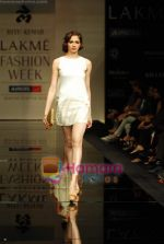 Model walks the ramp for Ritu Kumar Show at Lakme Winter fashion week day 2 on 18th Sept 2010 (52).JPG