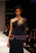 Model walks the ramp for Sailex NG Show at Lakme Winter fashion week day 2 on 18th Sept 2010 (35).JPG