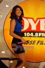 Priyanka Chopra launch Oye FM  in Novotel on 18th Sept 2010 (8).JPG