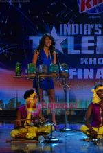 Priyanka Chopra on the sets of India_s Got Talent  in Film City on 18th Sept 2010 (15).JPG