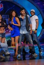 Priyanka Chopra, Ranbir Kapoor on the sets of India_s Got Talent  in Film City on 18th Sept 2010 (22).JPG