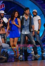 Priyanka Chopra, Ranbir Kapoor on the sets of India_s Got Talent  in Film City on 18th Sept 2010 (23).JPG