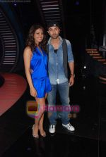 Priyanka Chopra, Ranbir Kapoor on the sets of India_s Got Talent  in Film City on 18th Sept 2010 (24).JPG