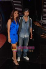 Priyanka Chopra, Ranbir Kapoor on the sets of India_s Got Talent  in Film City on 18th Sept 2010 (25).JPG