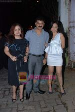Vandana Sajnani, Rajesh Khattar at Isha Koppikar_s bday bash in Bandra on 18th Sept 2010 (2).JPG