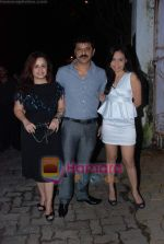 Vandana Sajnani, Rajesh Khattar at Isha Koppikar_s bday bash in Bandra on 18th Sept 2010 (39).JPG