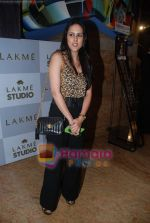 at Lakme Winter fashion week 2010 day 2 on 18th Sept 2010 (78).JPG