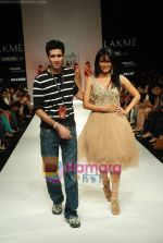 Chitrangada Singh walks the ramp for Arpan Vohra Show at Lakme Winter fashion week day 3 on 19th Sept 2010 (26).JPG