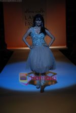 Chitrangada Singh walks the ramp for Arpan Vohra Show at Lakme Winter fashion week day 3 on 19th Sept 2010 (3).JPG