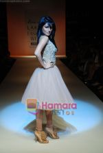Chitrangada Singh walks the ramp for Arpan Vohra Show at Lakme Winter fashion week day 3 on 19th Sept 2010 (5).JPG