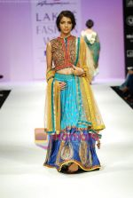 Model walks the ramp for Anupamaa Show at Lakme Winter fashion week day 3 on 19th Sept 2010 (29).JPG