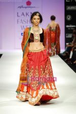 Model walks the ramp for Anupamaa Show at Lakme Winter fashion week day 3 on 19th Sept 2010 (81).JPG