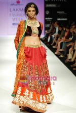 Model walks the ramp for Anupamaa Show at Lakme Winter fashion week day 3 on 19th Sept 2010 (84).JPG
