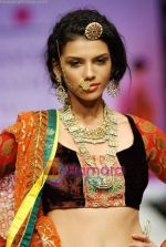 Model walks the ramp for Anupamaa Show at Lakme Winter fashion week day 3 on 19th Sept 2010 (85).JPG