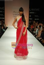 Model walks the ramp for Arpan Vohra Show at Lakme Winter fashion week day 3 on 19th Sept 2010 (100).JPG