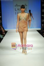 Model walks the ramp for Arpan Vohra Show at Lakme Winter fashion week day 3 on 19th Sept 2010 (14).JPG