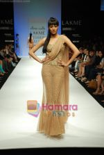 Model walks the ramp for Arpan Vohra Show at Lakme Winter fashion week day 3 on 19th Sept 2010 (25).JPG