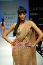 Model walks the ramp for Arpan Vohra Show at Lakme Winter fashion week day 3 on 19th Sept 2010 (26).JPG