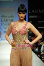 Model walks the ramp for Arpan Vohra Show at Lakme Winter fashion week day 3 on 19th Sept 2010 (46).JPG
