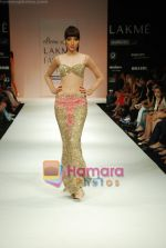 Model walks the ramp for Arpan Vohra Show at Lakme Winter fashion week day 3 on 19th Sept 2010 (62).JPG